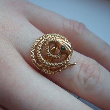 Vintage goldtone Corocraft snake ring with green by LincaraVintage