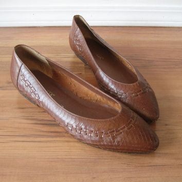 vintage 80s Shoes / Woven Leather Flats / Brown / Bohemian Almond Toe Slip On