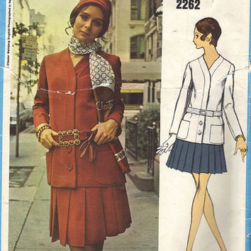 1960s Vogue Americana Sewing Pattern 2262 Designer Fashion Chester Weinberg Two Piece Suit V Neck Cardigan Jacket Pleated Skirt Bust 32