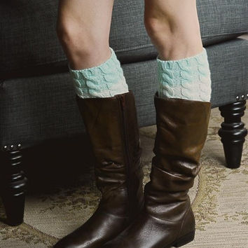 Cable Boot Cuff - Mint