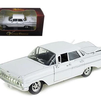 1959 Chevrolet Impala Sedan 4 Doors White 1-32 Diecast Car Model by Arko Products