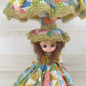 1970s Tall Kitschy Doll Bedside Table Lamp, Big Eyes Girl Table Lamp