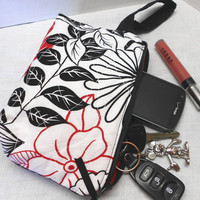 Mothers Day Zipper Wristlet Bag Red White Black - Handmade by SEW FUN QUILTS