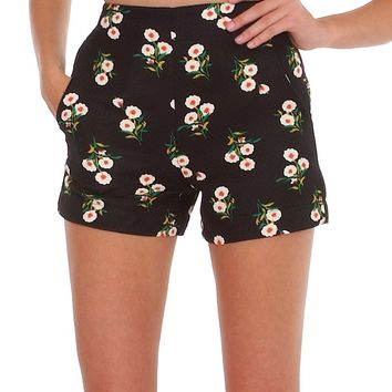 Young & Stylish Shorts - Black/Floral