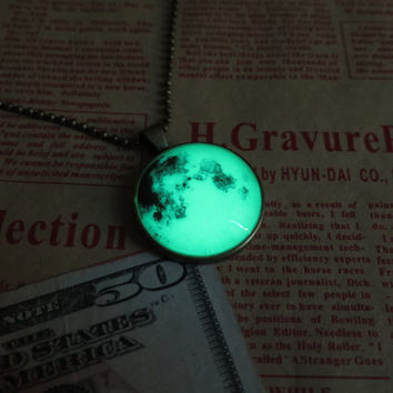 Green Luminous planet, Earth, prom jewelry, party jewelry,Glow in the dark Green necklace,Glowing Pendant Necklace