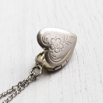 Vintage Heart Locket Necklace - 1970s Silver Tone Dainty Floral Heart Charm Jewelry / Etched Flower