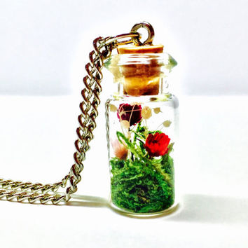 Flower Terrarium Necklace, Dried Flowers, Terrarium Jewelry, Glass Vial, Terrarium Pendant, Preserved Moss, Moss Terrarium, Glass Bottle