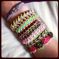 Rainbow Loom Bracelets. by nicoleschaafsma on Etsy