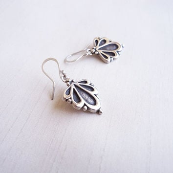 Floral Sterling Silver Original Earrings - Iconic Flowers Short earrings - Contemporary Jewelry - Symbolic Representation of the flora world