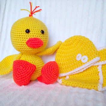 Baby Shower Gift Set, Baby Diaper Cover Set and Crochet Duck Stuffed Animal in Yellow and Orange, Duckling Plush (MADE TO ORDER)