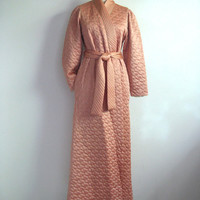Vintage 1970s House Coat Peach Gold Metallic Quilted Morning House Robe Med