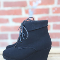 Max Wedge Bootie by Lucky Top {Black}