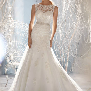 New Design A-line Sheer Neckline Embellished With Crystal Beads Tulle & Lace Wedding Dress 2016 Bridal Dress