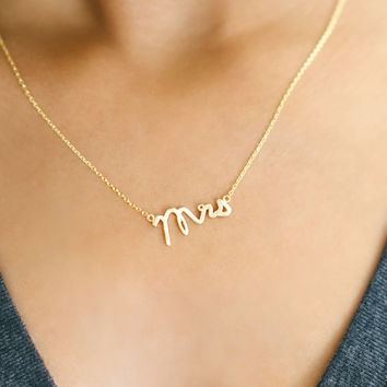 The Mrs Necklace