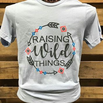 Southern Chics Apparel Raising Wild Things Mom Arrows Canvas Girlie Bright T Shirt