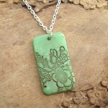 Antique jade pendant necklace Asian floral handmade by theshagbag