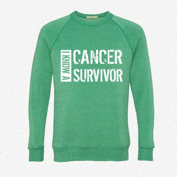 i know a cancer survivor black fleece crewneck sweatshirt