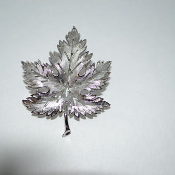 TRIFARI Vintage designer signed leaf pin brooch