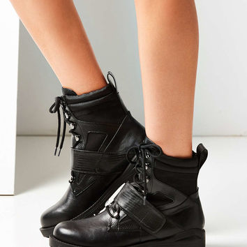 Claude Combat Boot - Urban Outfitters