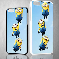 Minions Disney V0145 iPhone 4S 5S 5C 6 6Plus, iPod 4 5, LG G2 G3 Nexus 4 5, Sony Z2 Case