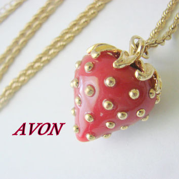 80s Vintage Avon Red Enamel Strawberry Goldtone Pendant Necklace / Jewelry / Jewellery