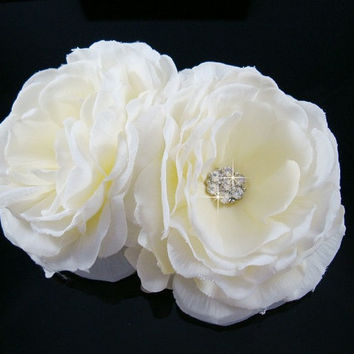 Bridal Hairpiece, Cream / Off White Bridal Double Flower hair comb, Wedding Accessories