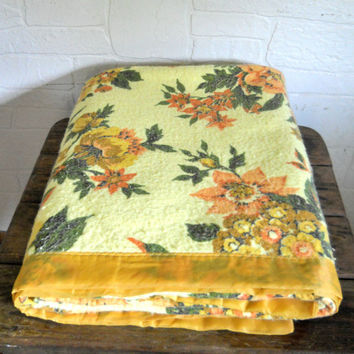 Twin Size Bedding Twin Size Blanket Yellow Bedding Floral Bedding Yellow Blanket 70s Blanket Floral Blanket Retro Bedding Orange Blanket