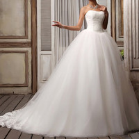 wedding dress/ lace Wedding dresses/long train princess wedding dress/bridal lace wedding gown/ ball gown wedding dresses