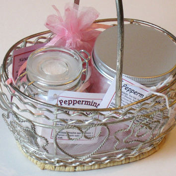 Woman's Gift Basket, Peppermint Scented Bath & Body Basket, One of a Kind