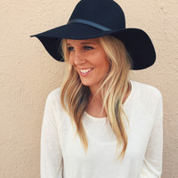 Black and Belted Floppy Hat
