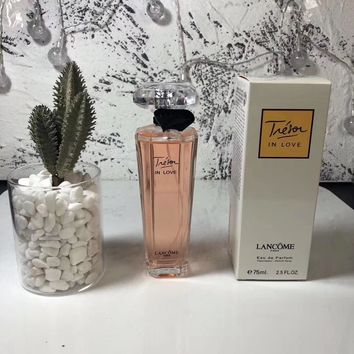Tresor in love MADEMOISELLE, Eau de Parfum Spray for Women and Men Perfect Gift Elegant Daytime and Casual