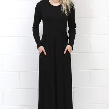 Long Sleeve Solid Maxi Dress w/ Pockets {Black}