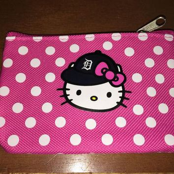 DCCKG8Q MLB Detroit Tigers Hello Kitty Coin Purse