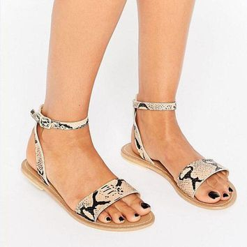 Eunice Choo Hot Python Print Ankle Strap Women Flat Sandals Shoes Rome Style Open Toe Gladiator Casual Beach Sandal Shoes Woman