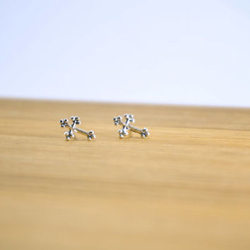 Sterling Silver Tiny Small Cross, Cartilage stud, Tiny Silver Cross Stud Earring, Silver Ear Studs, Post Earrings, Everyday Jewelry