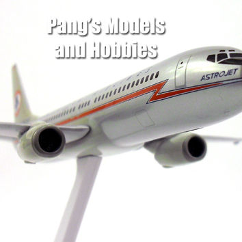 Boeing 737-800 American Airlines Astrojet 1/200 Scale Model by Flight Miniatures