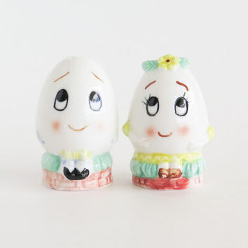 Anthropomorphic Eggs Salt and Pepper Shakers