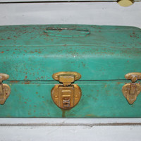 Metal Fishing Tackle Box Antique Green , Rusty Fishing Box , Fishing Tools