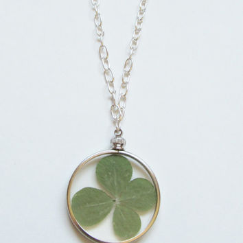 Four Leaf Clover Necklace, Shamrock Necklace, Pressed Flower Necklace, Clover Necklace, Four Leaf Clover Pendant, 4 Leaf Clover Necklace