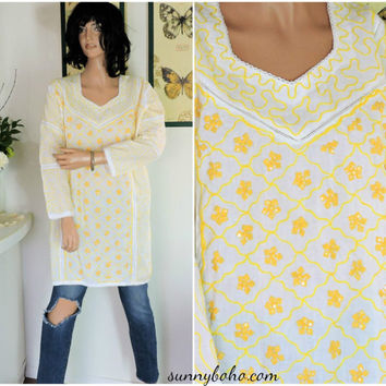 Vintage Indie caftan size S / M white / yellow cotton embroidered kaftan top boho hippie ethnic tunic top SunnyBohoVintage
