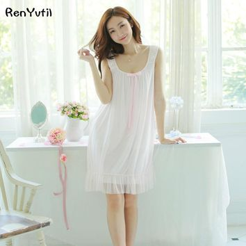 RenYvtil Free Shipping 2017 New Summer Princess Style Women's Nightgown White and Blue Sleepwear Vintage Pijamas roupao feminino