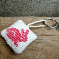 Pink rabbit keychain. Hand embroidered keychain with floral back and a fuchsia bunny. Eco-friendly gift for bunny lovers