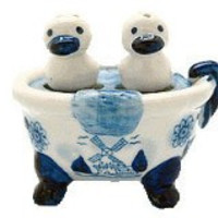 Ducks Salt and Pepper Shakers: Ducks/Bathtub