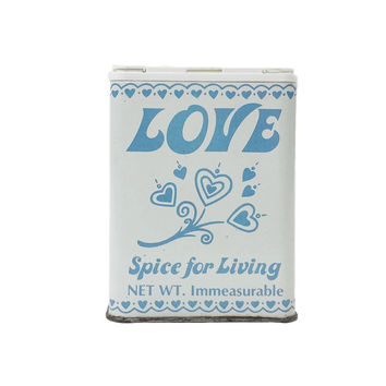 1982 Love Spice for Living Container, Vintage Kitchen, Decorative Tin, Gift Ideas, Cooking, Empty Shaker, Homemade Rubs, Diy Seasoning
