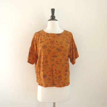 Vintage mustard yellow floral tee / bohemian cropped t-shirt with pocket