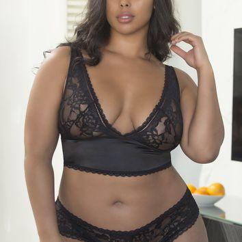 Soft Lace Plus Size Bra and Panty Set