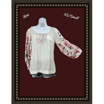 Chelsea and Violet beautiful embroidery top size extra small to small