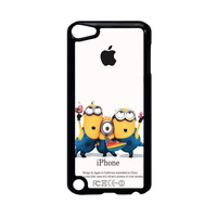 Minions Looking Apple iPod Touch 5 Case