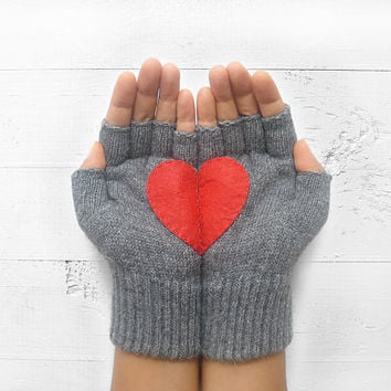 VALENTINE'S DAY Gift, Heart Gloves, Gray Gloves, Grey, Red Heart, Special Gift, Gift For Her, Love, Valentine's Gift, Gift Idea, Unisex Gift