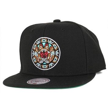 NBA Mitchell & Ness Vancouver Grizzlies Aztec Snapback Cap in Black
